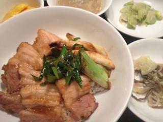 豚カルビと葱の炒め丼.jpg