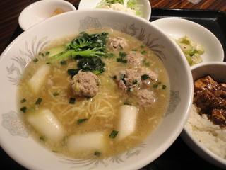 豚肉団子塩湯麺.JPG